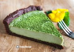 When Japan meets France. Enjoy a mouthwatering emerald color coconut matcha tart, sweet and creamy with a tad of bitterness of chocolate and green tea. Delicious! Matcha powder is specially grown and processed green tea that has been ground into a fine powder.Matchais a stone-groundpowdered green teaused in traditional Japanese …