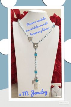 Orden entregada  Rosario anudado en cristales, colores blanco y turquesa.