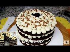 Kalıp Yok✔ Fırın Yok✔ En Basit Yaş Pasta Tarifi /Yaş Pasta Tarifleri /Hacereli - YouTube Cake Recipes, Muffin, Food And Drink, Birthday Cake, Make It Yourself, Breakfast, Desserts, Youtube, Graphics