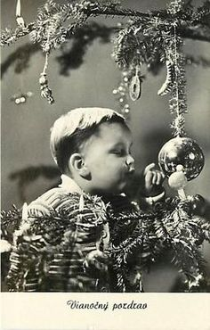 Old Christmas moments. Vintage Christmas Photos, Victorian Christmas, Retro Christmas, Christmas Love, Vintage Holiday, Christmas Pictures, Winter Christmas, Old Time Christmas, Ghost Of Christmas Past