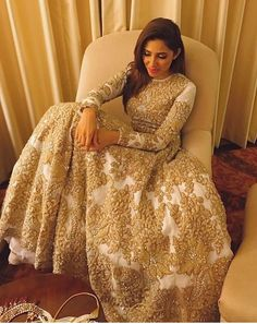 Dress is not only about style and design, but its about reflection person attractiveness. Here, you will see huge Pakistani Engagement Dresses Pakistani Engagement Dresses, Pakistani Wedding Dresses, Indian Wedding Outfits, Pakistani Outfits, Bridal Outfits, Indian Dresses, Indian Outfits, Lehenga Wedding, Mahira Khan Dresses