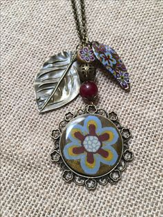 Medallòn Diseños Sonia de la Torre https://www.facebook.com/TOCADORDEMACA/photos/pcb.1087566331388654/1087565578055396/?type=3