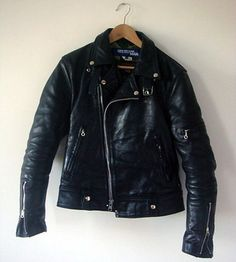 Getting one in the summer. Nothing better than a vintage leather jacket. Winter Leather Jackets, Men's Leather Jacket, Vintage Leather Jacket, Biker Leather, Leather Men, Black Leather, Riders Jacket, Motorcycle Jacket, Culottes