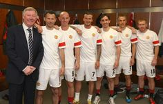 David Beckham, Ryan Giggs and Neville brothers hit the town at Manchester United class of 1992 reunion Manchester United Legends, Manchester United Players, Salford City Fc, Sir Alex Ferguson, Association Football, Vtc, Old Trafford, Sports Stars