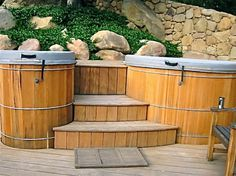 This customer requested a hot and cold hot tub, so we built two separate tubs. http://www.gordonandgrant.com/