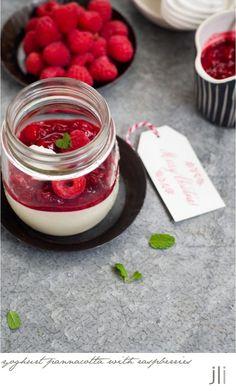 christmas week 2015 - yoghurt pannacotta with raspberry compote: DELICIOUS BITES
