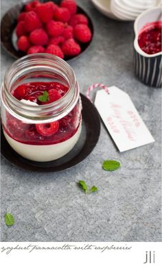 christmas week 2015 - yoghurt pannacotta with raspberry compote: DELICIOUS BITES