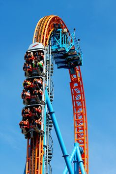 "Ride Rating, at the Hershey Park web site: ""Aggressive Thrill Ride"" - no argument! Park Pictures, Cool Pictures, Hershey Park, Adventurous Things To Do, Send In The Clowns, Amusement Park Rides, Dream Vacations, Summer Fun, Amazing"