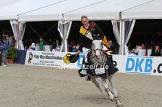 Unser Bericht zum gestrigen Tag in Hagen. Die Sieger waren David Will / Colorit und Tim Rieskamp-Gödeking / Corvin. http://reiterzeit.de/turnierergebnisse-reitsport/horses-and-dreams/#3