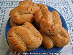 Portuguese Desserts, Portuguese Recipes, Biscuits, Cookie Recipes, Dessert Recipes, Whoopie Pies, Vintage Recipes, Sweet Bread, Quick Bread
