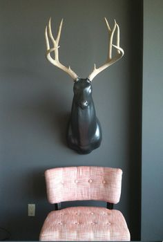 Fenno Fivecoat replica deer bust. In any color? Pink please.
