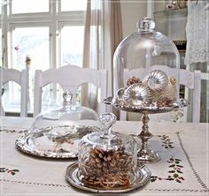 Vintage French Soul ~ Glass Cloche on Silver trays. How Pretty! Shabby Chic Patio, Muebles Shabby Chic, Shabby Chic Bedrooms, Shabby Chic Kitchen, Glass Bell Jar, The Bell Jar, Glass Domes, Bell Jars, Deco Dyi