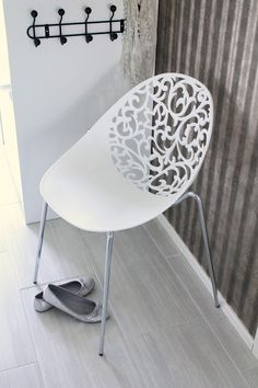 Aurora chair is beautiful!  I want one or two for entrance or guest room.