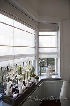 How to make double layered roman blinds is part of Living Room Windows Sill - How to make double layered roman blinds on a single hardware mount It works wonders as a beautiful window covering for a bay window Bedroom Windows, Blinds For Windows, Curtains With Blinds, Bay Window Bedroom, Bay Window Blinds, Sheer Blinds, Blinds Diy, Bedroom Curtains, Window Sill Decor