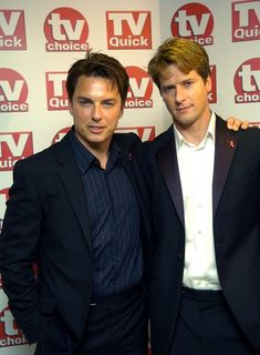 John Barrowman Photos - Actor John Barrowman (L) and partner arrive for the TV Quick & TV Choice awards at the Dorchester Hotel September 3, 2007 in London, England. - TV Quick & TV Choice Awards - Arrivals