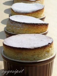 Fehércsokis szuflé Pancakes, Muffin, Food Porn, Favorite Recipes, Chocolate, Breakfast, Morning Coffee, Pancake, Muffins