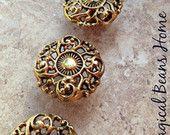 Vintage Brass Filigree Knob / Polished Gold Pull  / Decorative Restoration Hardware / Drawer pulls