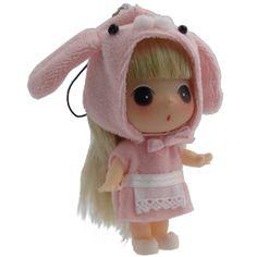 Ahhh..super cute lil mini Ddung Doll (with a rabbit hat)