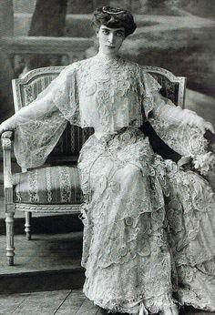 Marchesa Luisa Casati, as The Empress Theodora - 1905