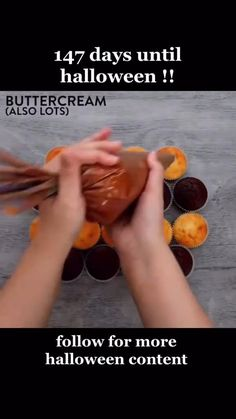 Halloween Cookies Decorated, Halloween Desserts, Halloween Cupcakes, Halloween Food For Party, Halloween Treats, Holiday Snacks, Holiday Recipes, Edible Fruit Arrangements, Novelty Cakes