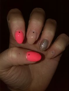 Rounded nails/pink nails/nude nails/glitter