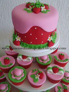 Disse me disse cupcakes: Moranguinho - torre de cupcakes