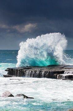 thelordismylightandmysalvation: Crashing Waves