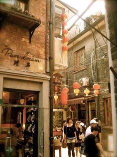 Shopping, old Shanghai style.