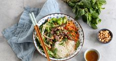 This Vietnamese dish is made of a wholesome beef and noodle salad, full of contrasting flavors and textures. Vietnamese Salad Rolls, Vietnamese Soup, Beef Recipes, Salad Recipes, Fried Spring Rolls, Bo Bun, Thai Beef Salad, How To Cook Greens, Beef And Noodles