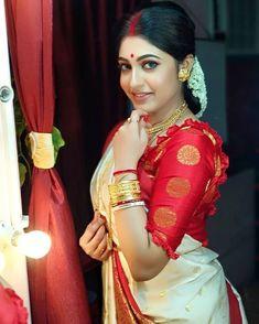 Bengali Saree, Bengali Bride, Indian Sarees, Hd Bridal Makeup, Bengali Jewellery, Saree Draping Styles, Blouse Designs Silk, Saree Photoshoot, Sexy Wife