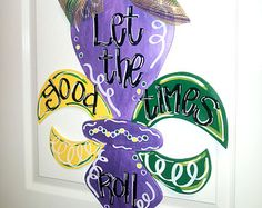 These color-in masks are beautiful! Do you love adult coloring pages but want som . These color-in masks are beautiful! Do you love adult coloring pages but want something functional? Mardi Gras Wreath, Mardi Gras Decorations, Mardi Gras Beads, New Orleans Party, New Orleans Mardi Gras, Mardi Gras Sayings, Mardi Gras Images, Mardi Gras Float, Iris