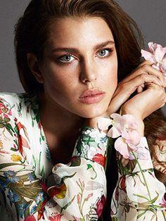 Charlotte Casiraghi on Gucci's campaign for 'Flora' Grace Kelly, Charlotte Casiraghi, Princess Caroline, Princess Charlotte, Floral Fashion, Star Fashion, Monaco Royal Family, Gucci, Portraits