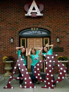 That's my chapter/biological sister!!! throw what you know ~ alpha phi | sorority sugar