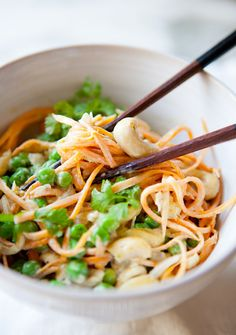 THAI GREEN CURRY & SWEET POTATO NOODLEBOWL - a house in the hills  #vegan #glutenfree