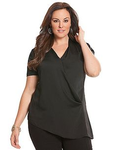 Elegant side ruched blouse by DKNYC sweetens your day-to-evening look with a… Plus Size Women's Tops, Plus Size Shirts, Plus Size Blouses, Plus Size Dresses, Plus Size Outfits, Trendy Plus Size Clothing, Plus Size Fashion, Fashion Advice, Fashion Outfits