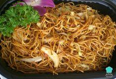Fideos chinos con pollo - Fideos chinos con pollo Estás en el lugar correcto para receita lanches Aquí presentamos receita d - Japchae, Ethnic Recipes, Food, Vegetable Stock, Mop Sauce, Spices, Chinese Chicken, Chinese Recipes, Noodle Recipes