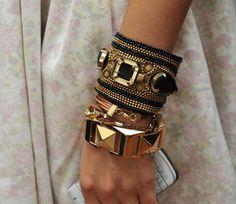 arm-candy-arm-parties-arm-party-bangles-bracelets-Favim.com-412421