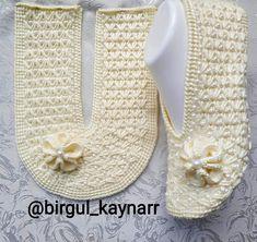 Crochet Sandals, Crochet Shoes, Crochet Slippers, Knitted Owl, Diy Sofa, Decoupage, Knitting Patterns, Flip Flops, Slip On