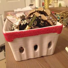 #DIY #Anthropologie inspired ceramic baskets used as jewelry holders   Musings from Providence