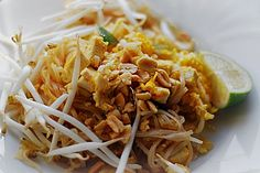 Pad Thai, ein schönes Rezept aus der Kategorie Pasta. Bewertungen: 75. Durchschnitt: Ø 4,3.