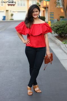 Time we got some off-shoulder action ;) Show off those shoulders and collar… Fat Girl Outfits, Casual Outfits, Fashion Outfits, Fashionable Outfits, Stylish Dresses For Girls, Stylish Girls Photos, Off Shoulder Outfits, Honeymoon Dress, Casual Frocks