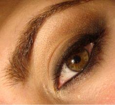 ahumado muy natual en tonos marroncitos claros