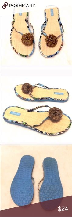 b044959d1c8 🔷BOGO🔷 Vera Bradley Bali Blue floral sandals 8 9 Size is large, fits