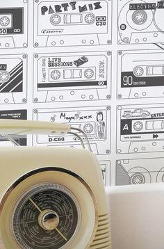 Mini Moderns - C-60 Snow (Colour Me) Wallpaper