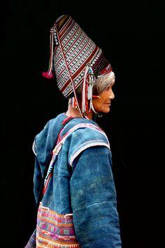 AKHA LADY, Myanmar, Michael Sheridan