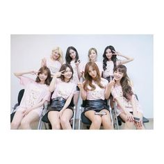 SNSD posed for a group picture at the backstage of SMTown V in Osaka ~ Wonderful Generation Kim Hyoyeon, Sooyoung, Yoona, Snsd, Taeyeon Jessica, South Korean Girls, Korean Girl Groups, Japan With Kids, Universal Studios Japan