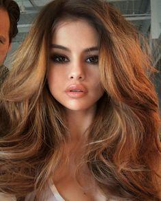 Stunning Selena Gomez with big hair waves and smoky eyes. #selenagomez