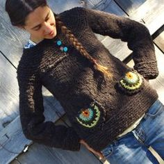 Love farmama's sweater, wish she had kept her blog posts active so I could remember the knitting instructions!