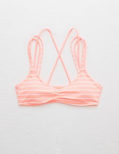 XOXO! Cross-back and o-so-cute, the Scoop Bikini top is ready for endless possibilities.