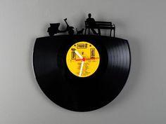 ITI en Bonzi: Pavel Sidorenko: Reciclando discos de vinilo con arte